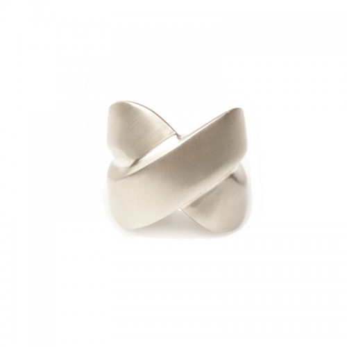 Cross Kiss Ring